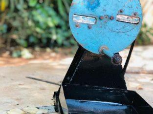 மரவள்ளி வெட்டும் மிசின் (cassava cutting machine)