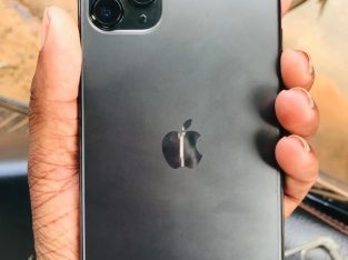 Iphone 11 pro max 256GB Battery 86% Price 190k