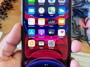 I phone 11 128GB battery life 91% full set box